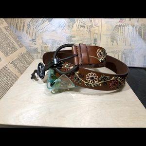 Fossil Vintage Flower Vine Leather Belt